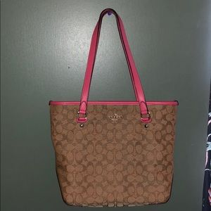 Coach purse! Pink and Tan in great conditon!